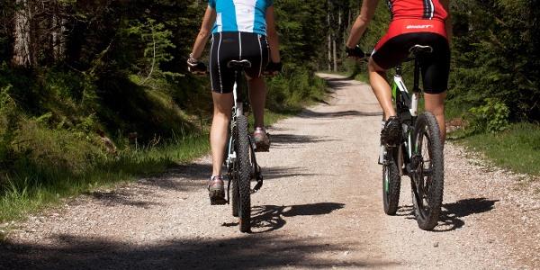 Auf dem Schennaberg mit dem Mountainbike vom Taser über dem Egger zum Gsteir.