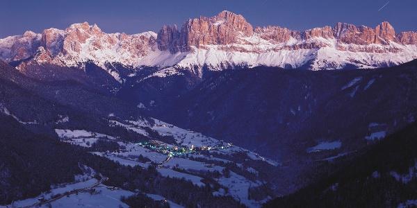 Auf dem Wintersagenweg durch das Tiersertal bis nach St. Zyprian unterhalb vom Rosengarten.
