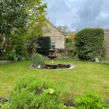 Zen English garden fountain in Longborough