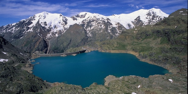 Lago e diga del Careser