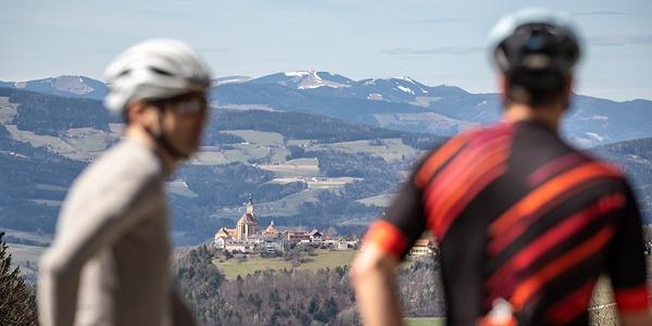 Rennradfahren mit einzigartiger Aussicht über das Pöllauertal