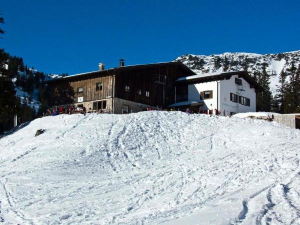 Spätestens bei der Abfahrt erreicht man die Priener Hütte.
