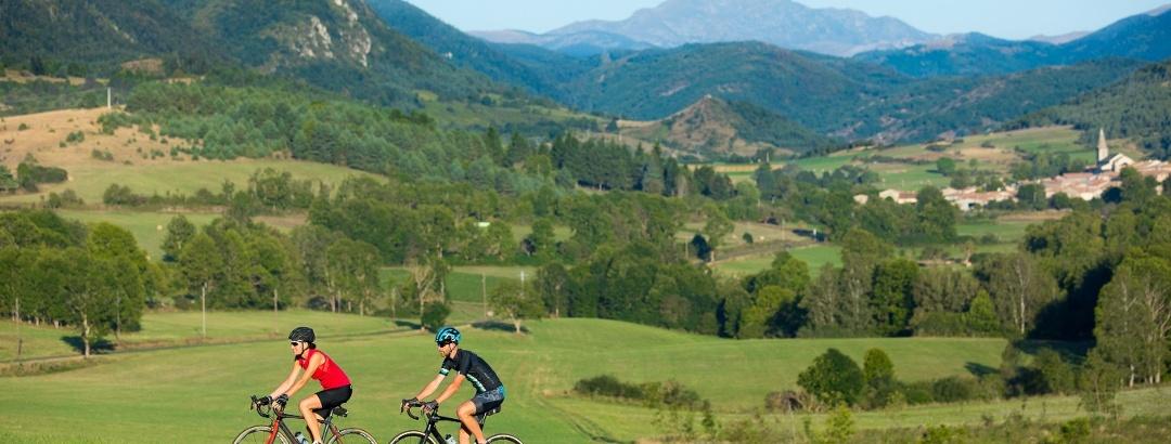 Cyclistes à Rodome dans les Pyrénées Audoises