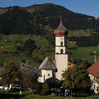 Raggal, Katholische Pfarrkirche Heiliger Nikolaus und Heiliger Theodul 1