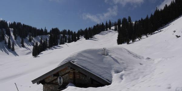 Bayerische Wildalm - tief verschneit