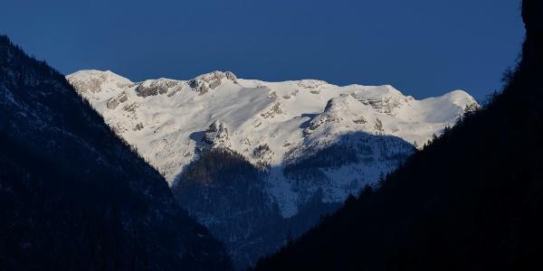 Velika Mojstrovka iz Trente, drugi vrh iz desne