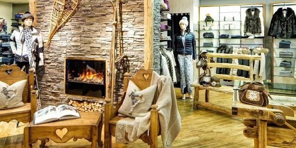 Alpine Lifestyle im Maciaconi Sport Geschäft in Gröden.