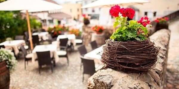 Familie Rabensteiner heißt Sie im Hotel & Restaurant Steinbock in Villanders herzlich Willkommen