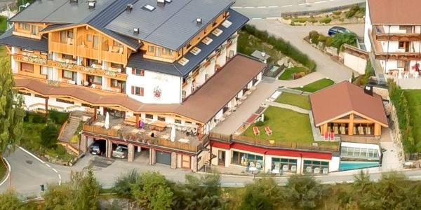 Welcome to the Biovita Hotel Alpi in the idyllic village of Sesto / Moso.