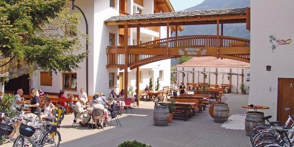 Welcome to Gstirnerkeller in Castelbello!