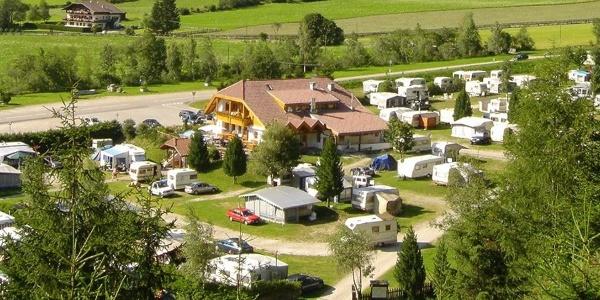 Mitten im Naturparadies Antholzertal liegt der Campingplatz Antholz und verspricht naturnahen Urlaub.
