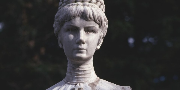 The monument to the famous Empress Sissi