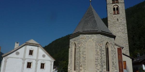 Die Pfarrkirche in St. Sigmund im Pustertal.