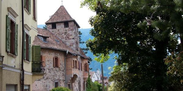 Schloss Reichenbach am Brunnenplatz in Meran-Obermais