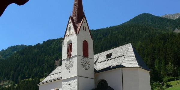Die Kirche in Antholz-Mittertal in Südtirol.