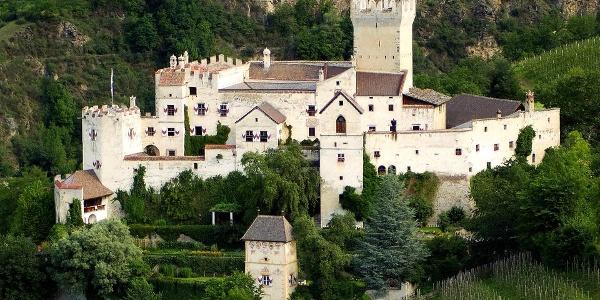 Like in a fairytale, the Castel Coira castle.