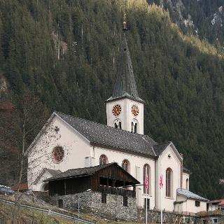 Blick auf die Pfarrkirche Heiliger Michael