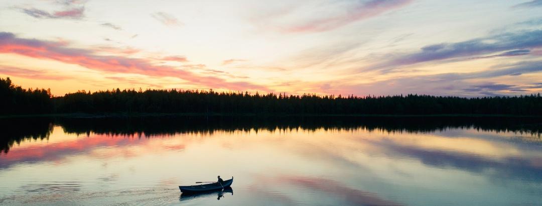 Genieße die Ruhe im Wasser