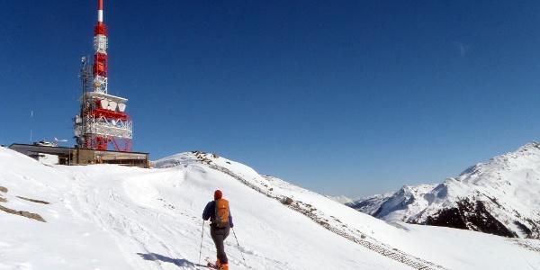 Kurz vor dem großen ORF-Sendemast am Gipfel des Patscherkofels.