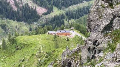 Blick vom Tilliacher Joch zur Porzehütte