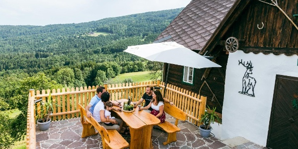Terrasse mit Gästen