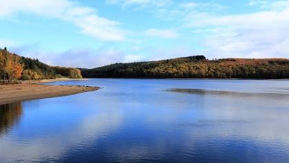 Lac de Vassivière à l'automne