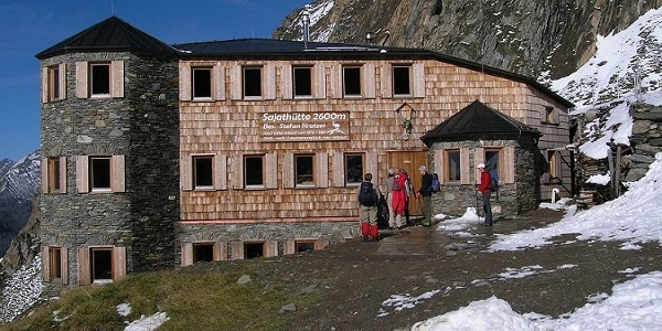 Die Sajathütte auf 2575 Metern Höhe.