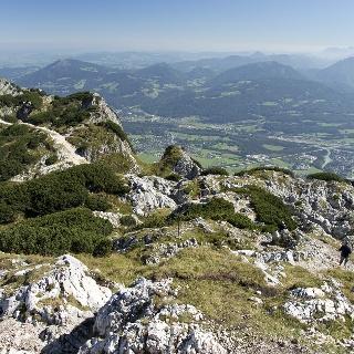 Ausblick vom Salzburger Hochthron zum Geiereck (Seilbahnstation)