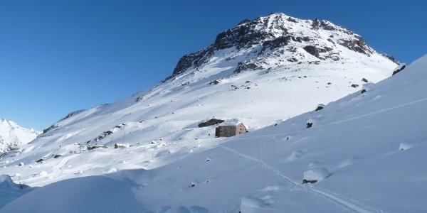 Die Jamtalhütte - beliebter Stützpunkt für eine Vielzahl von Skitouren in der Silvrettagruppe.