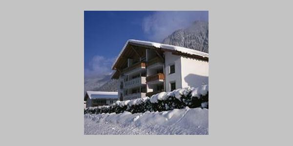 Hausansicht_-_Winter