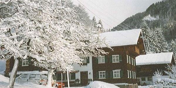 Hausansicht - Winter