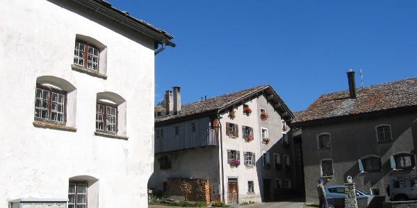 Etappe 1: Dorfplatz, Hinterrhein