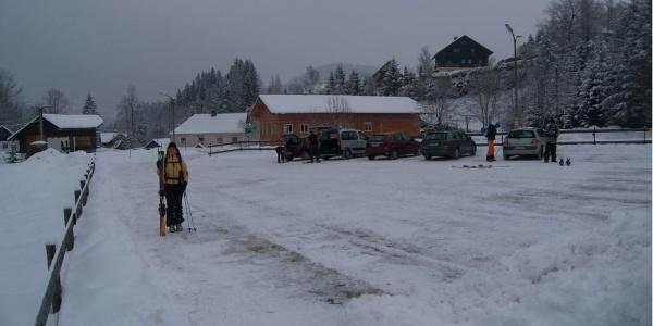 Start beim Parkplatz in Roßleithen