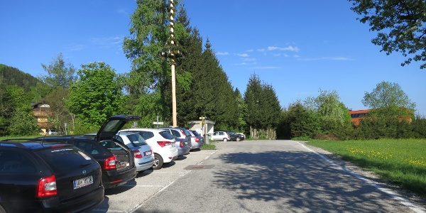 Parkplatz beim Gasthaus Franzl im Holz