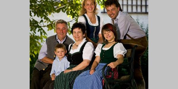 Familie Langthaler - Gasthaus Bauer und Wirt Langthaler