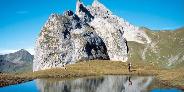 Schweizer Tor mit Kirchlispitzen