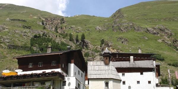 Die bekannten Rofenhöfe auf 2.014 m