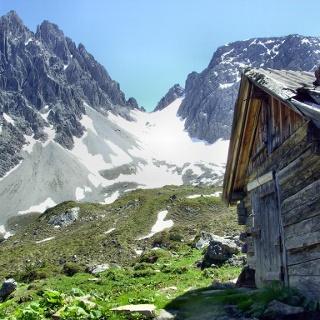 Parzinnalm mit Dremel- und Schneekarlespitze