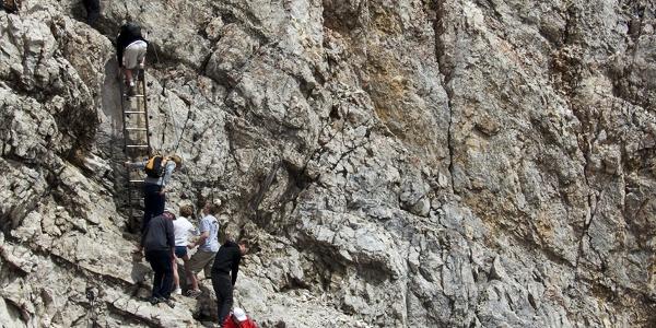 Beim Gipfelanstieg kommt es nicht selten zum Stau.