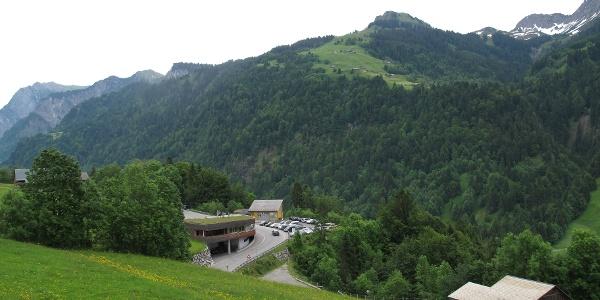 Haus Walserstolz in Sonntag mit Parzelle Stein im Hintergrund/Großes Walsertal
