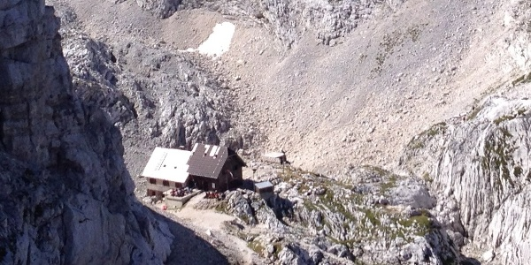 First sight of the hut coming from triglav