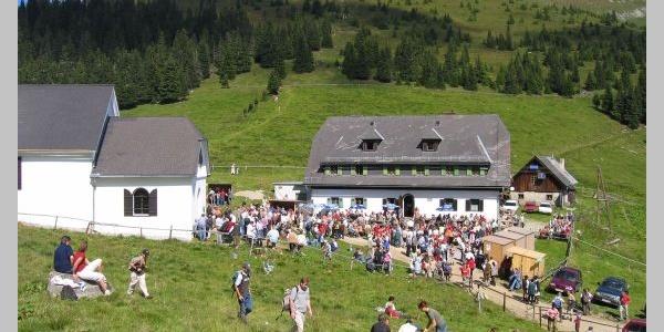 Schutzhaus und Maria Schnee