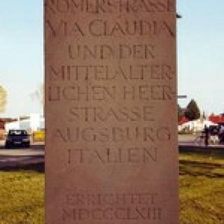 Via-Claudia-Denkmal