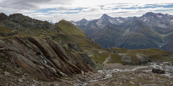 Zwischen Hochkarscharte und Wiesbauerweg, Mitte links die Wiesbauerspitze
