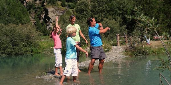 Plaisirs de la baignade au lac Schalisee pour toute la famille