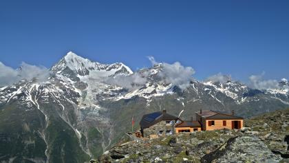 Domhütte SAC (2'940 m)
