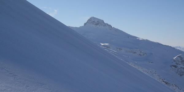 Ein ebenso wunderschönes Skitourenziel: der Wolfendorn.
