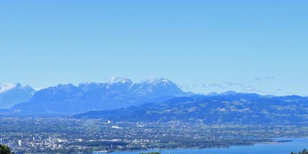 Eichenberg_Ausblick auf den Bodensee und das Säntismassiv