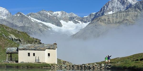 """Le long du lac Schwarzsee, en passant par la chapelle """"Maria zum Schnee"""""""