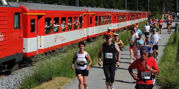 "Toujours présente: la ""tribune mobile"" du Matterhorn Gotthard Bahn"
